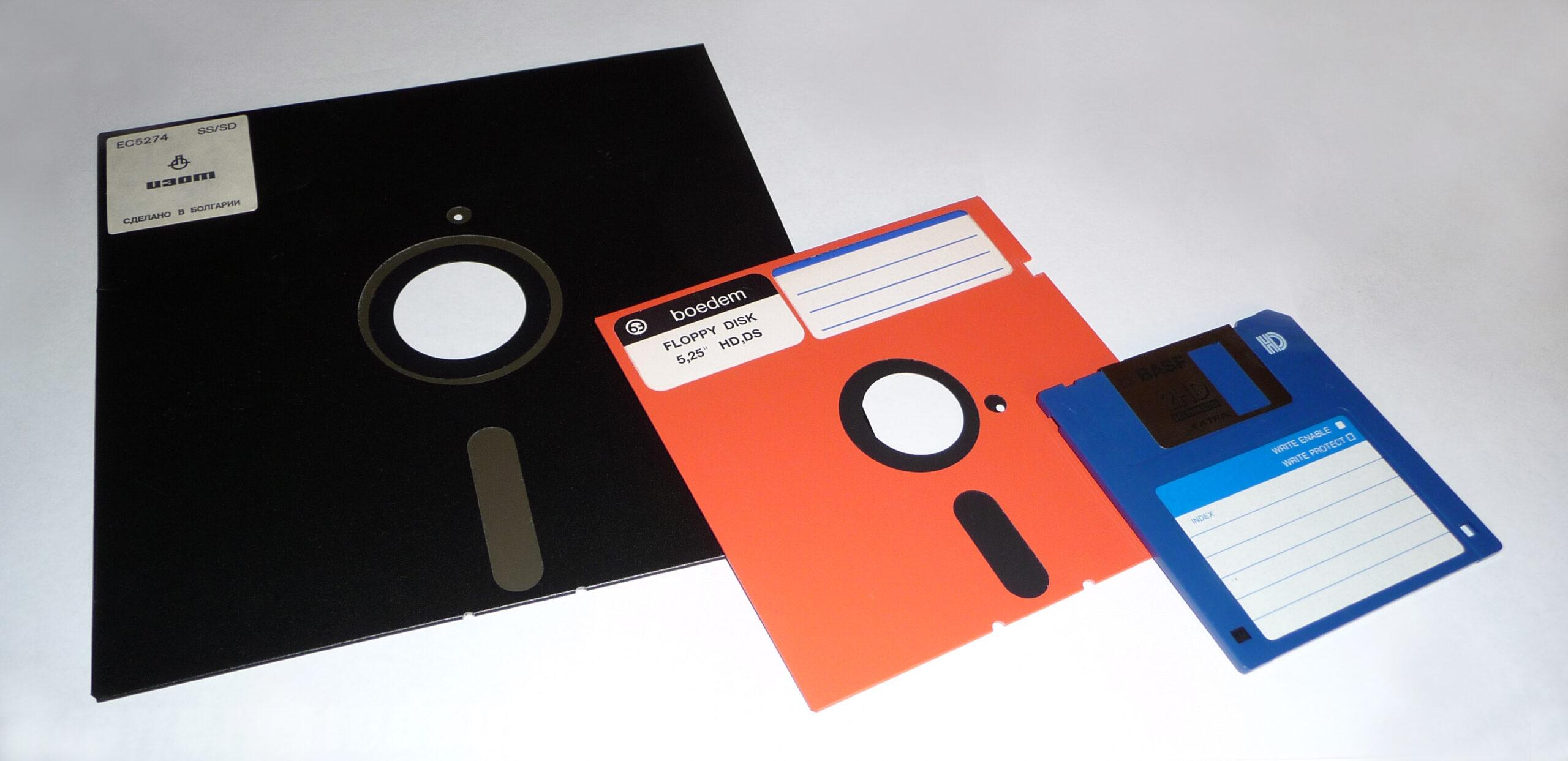 Come leggere un disco floppy su un PC o Mac moderno